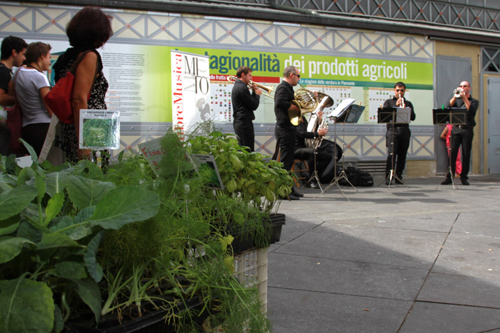 Torino, 8 settembre 2011: concerto dei Brass-à-porter alla Tettoia dei Contadini, per MiTo Settembre Musica. Foto © Gianluca Platania.
