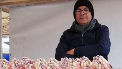 Banco di asparagi rosa di Mezzago